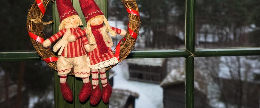Arrangere julelunsj med fine dekorasjoner